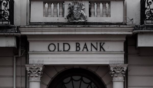 اعتقاد برندن همپتون بر منحل شدن بانکها تا ده سال آینده
